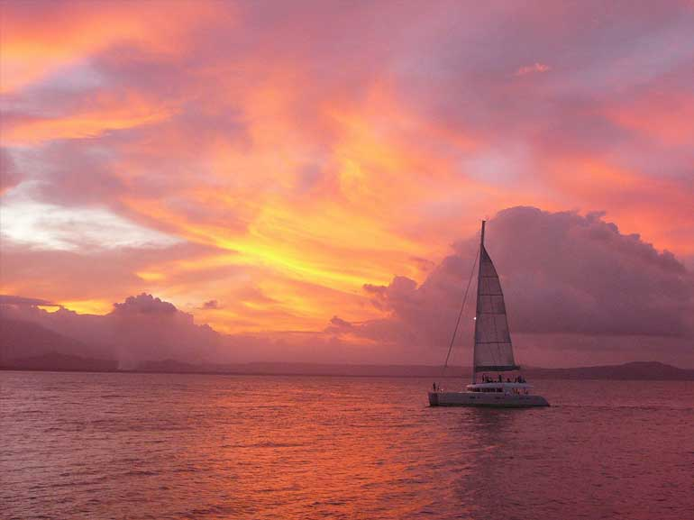 aquarius-sunset-sail-port-douglas